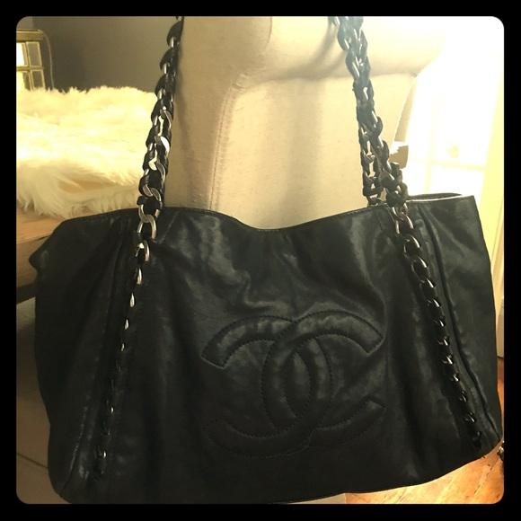 5dcf375535d2 CHANEL Handbags - Chanel Modern Chain Tote
